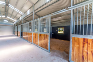 ENDURO American Barn Stables 1 300x200 - Gallery